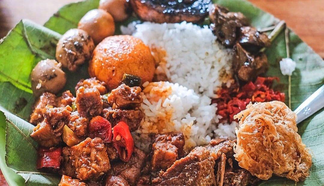 Nasi Daun Jati yang Lezat dari Cirebon