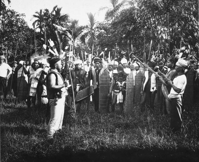 Mengenal Ritual Mangkuk Merah Suku Dayak