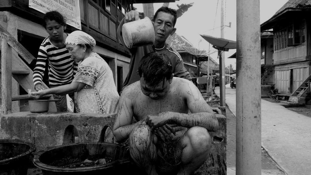 Tradisi Ritual Mandi Darah di Muratara