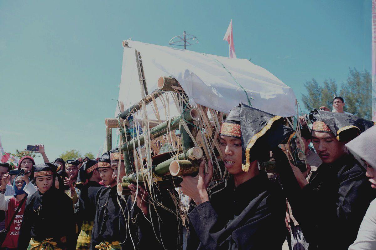 Nelayan Patorani dan Ritualnya Sebelum Melaut