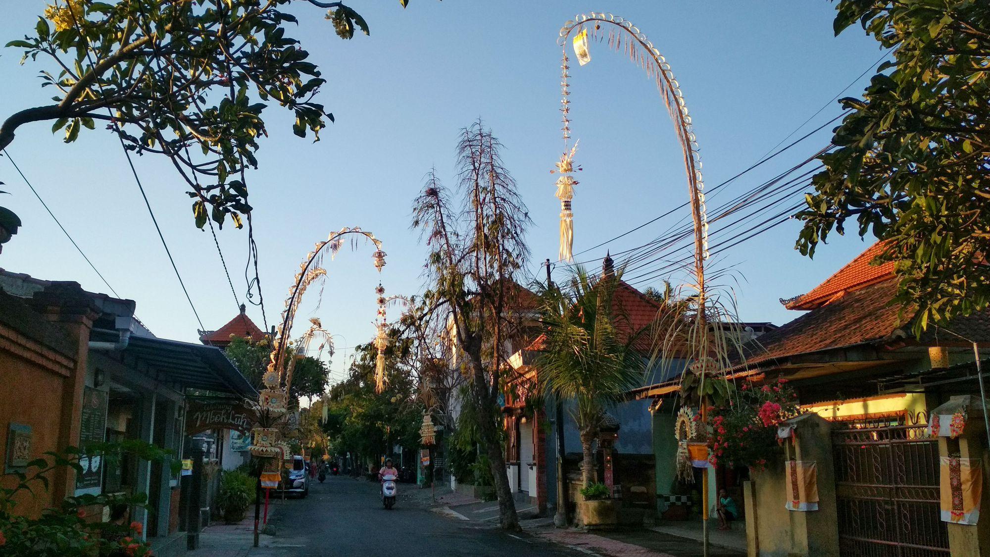 Makna Filosofi Janur Kuning pada Masyarakat Bali
