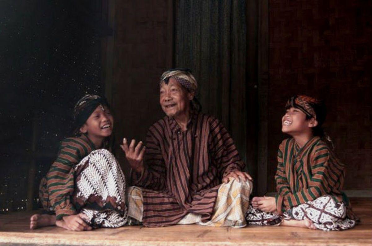 Mengapa Orang Jawa Diajari untuk Tidak Bersikap Blak-blakan?