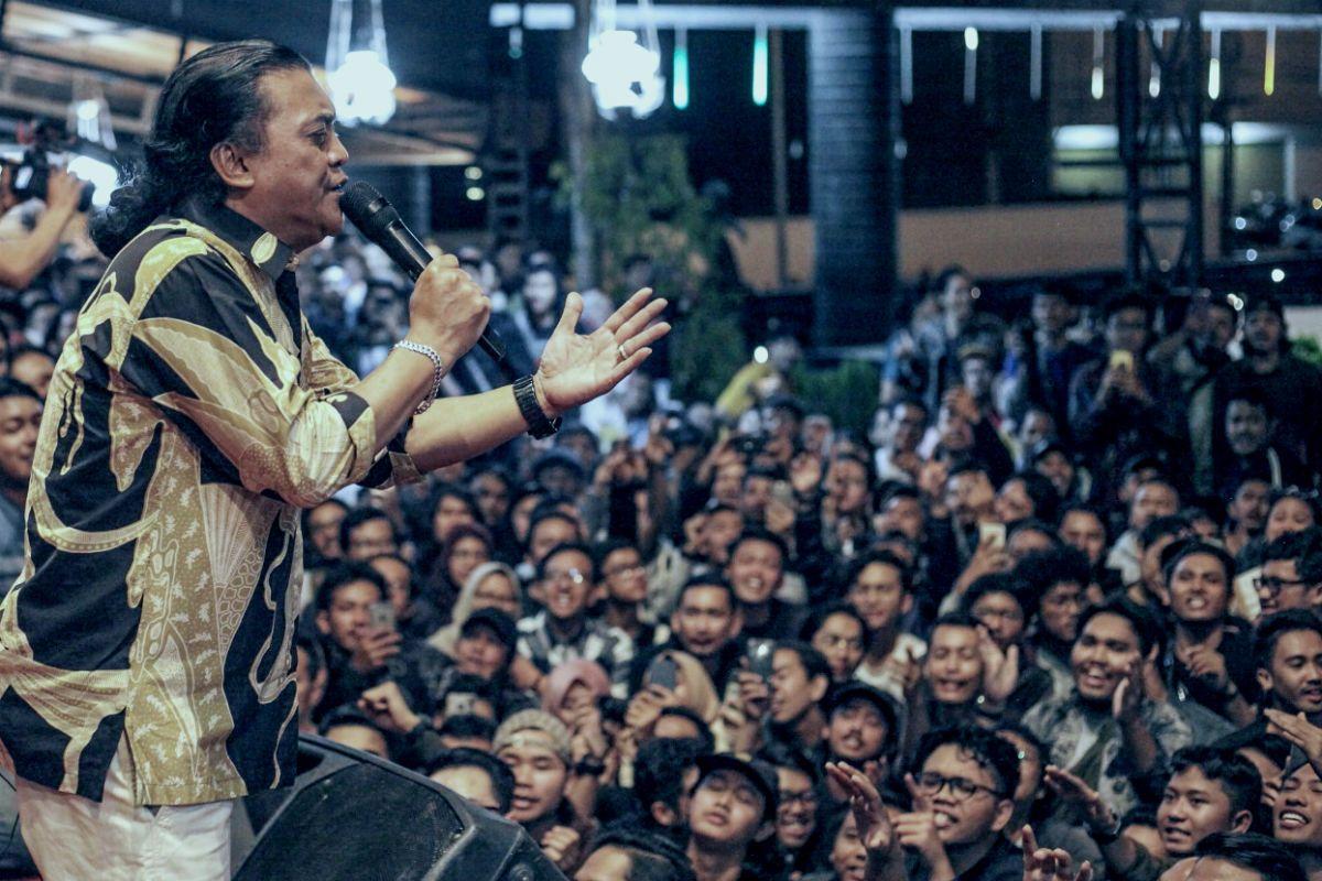 Didi dan Sobat Ambyar: Merawat Bahasa Jawa dan Kesedihan