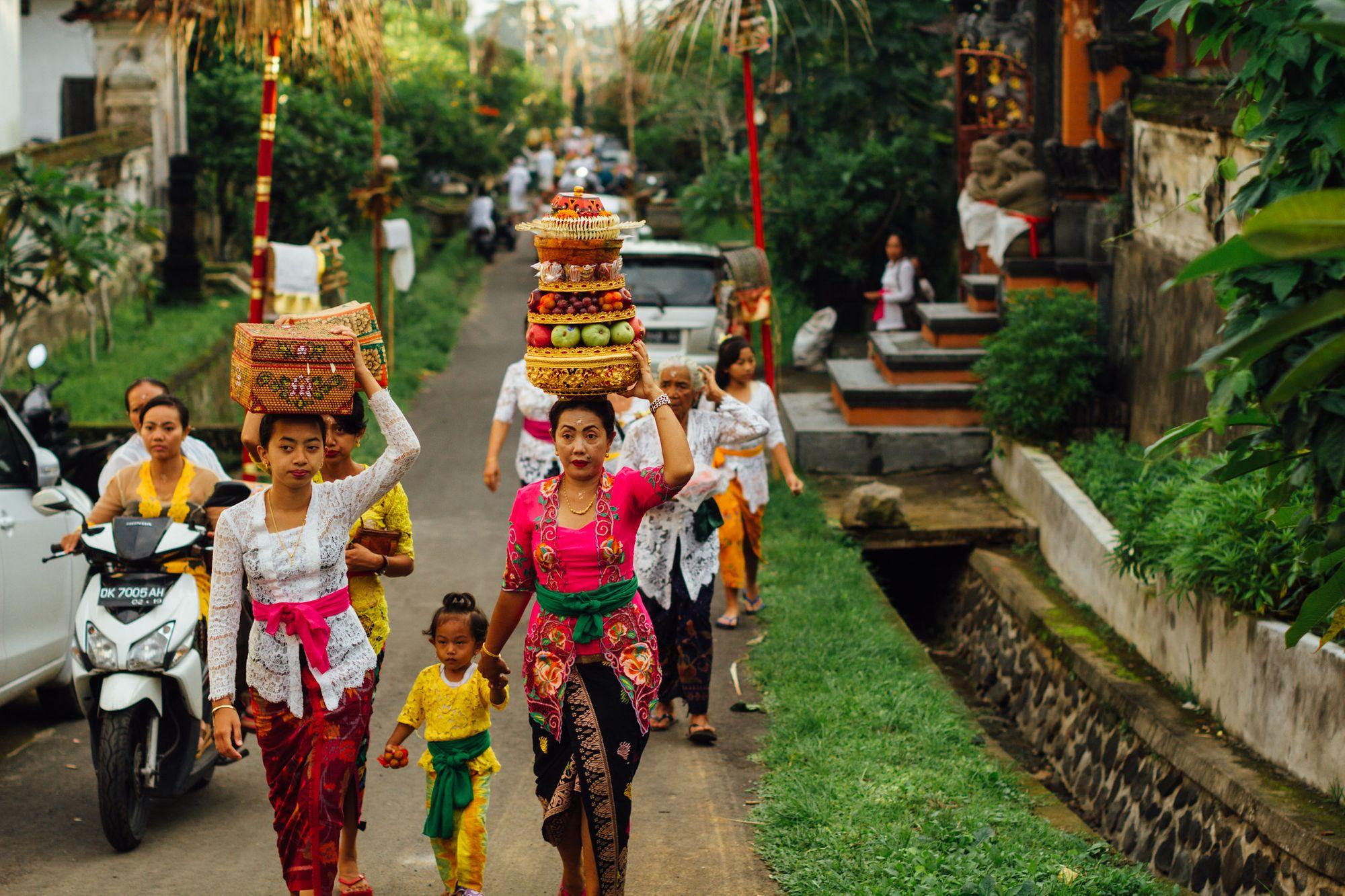 Dari Mapeed, Kita Melihat Perempuan Tangguh di Bali