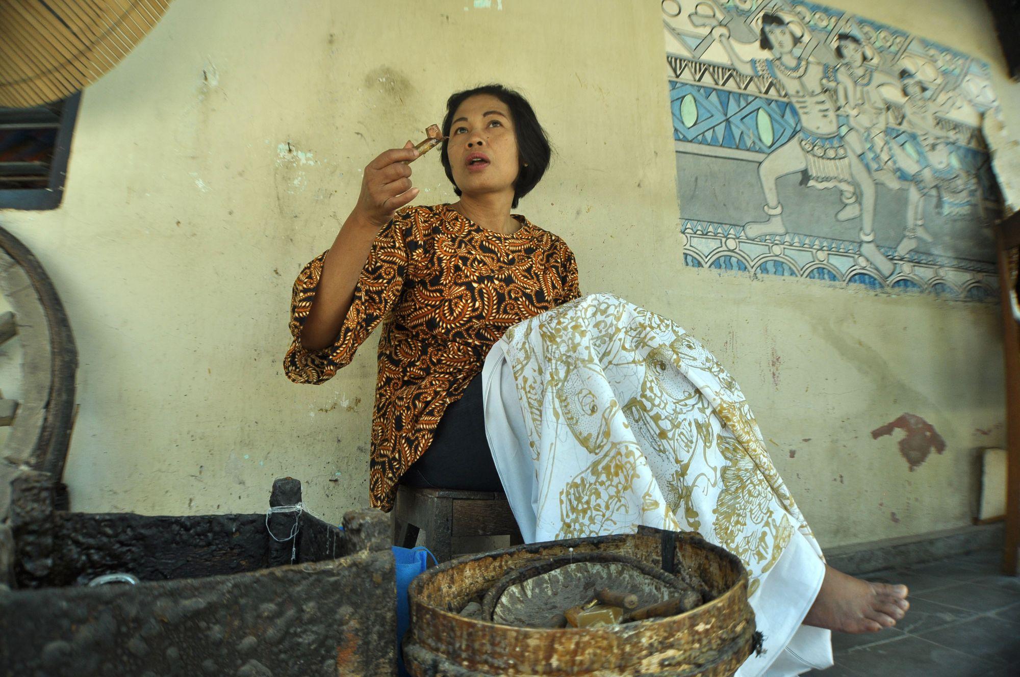 Batik dan Pengaruhnya pada Perempuan Jawa