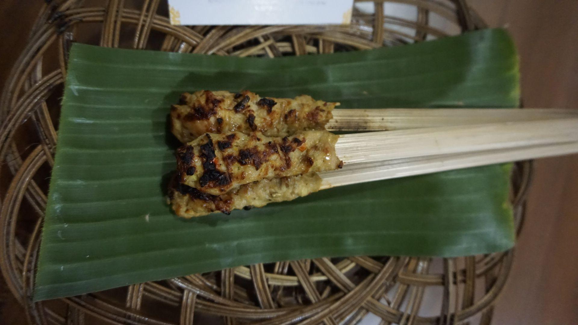 Simbol Persatuan dalam Sate Lilit Masyarakat Bali
