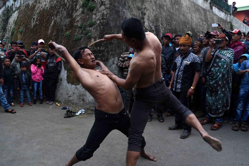 Ritual Masyarakat Tengger saat Bulan Karo