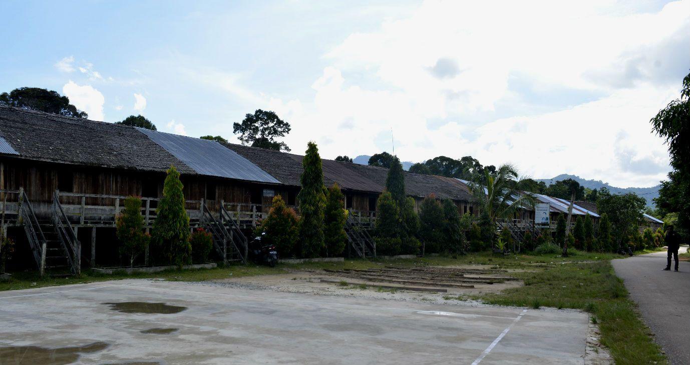 Rumah Radakng Tampak depan/Yoris/Etnis.id