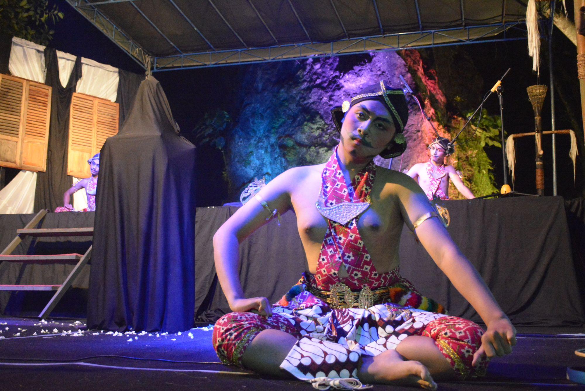 Beksan Lawung Ageng: Tarian Heroik dari Yogyakarta