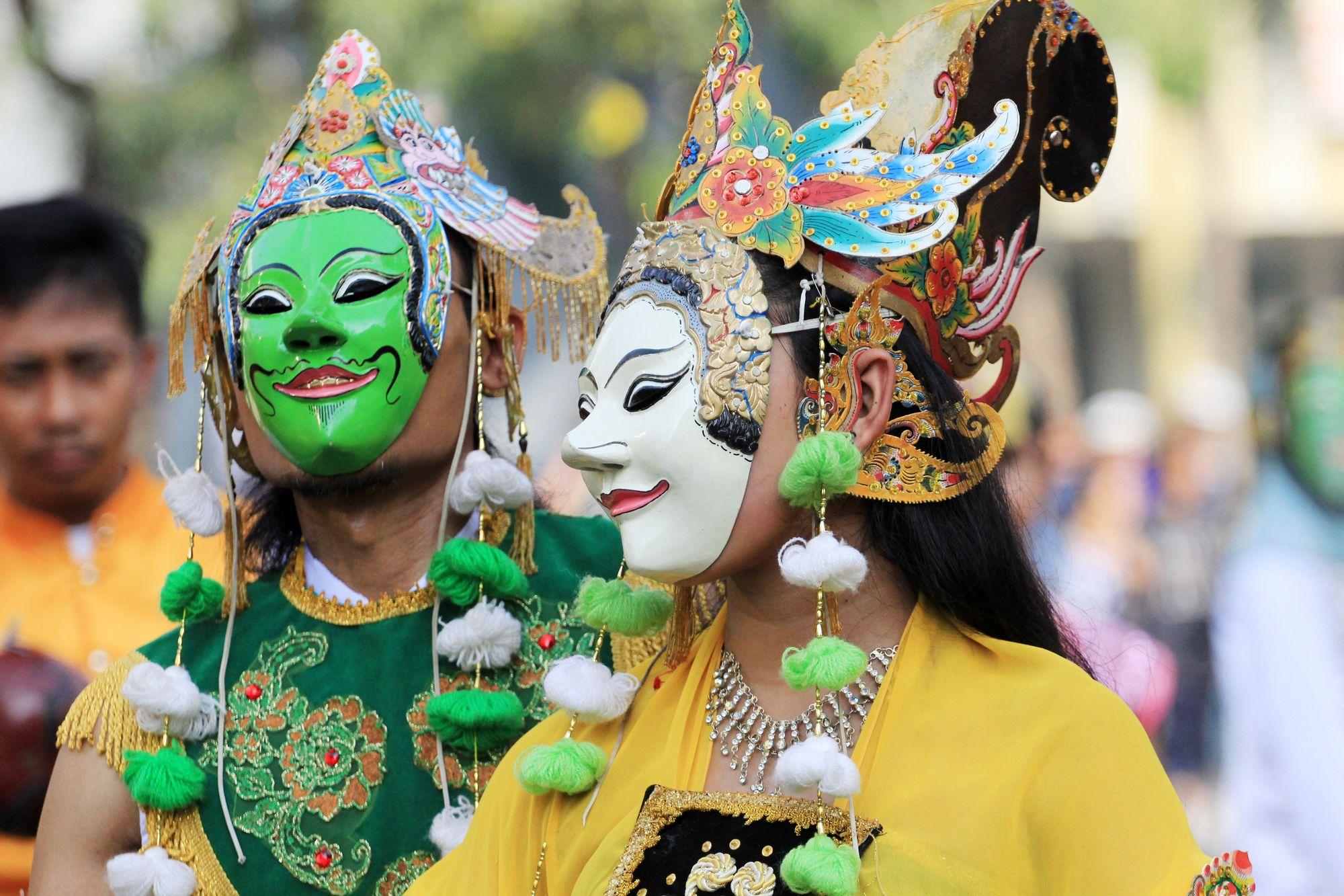"""""""Topeng Blantek"""": Kultur Betawi dan Pertunjukan Teater Tanpa Teks"""
