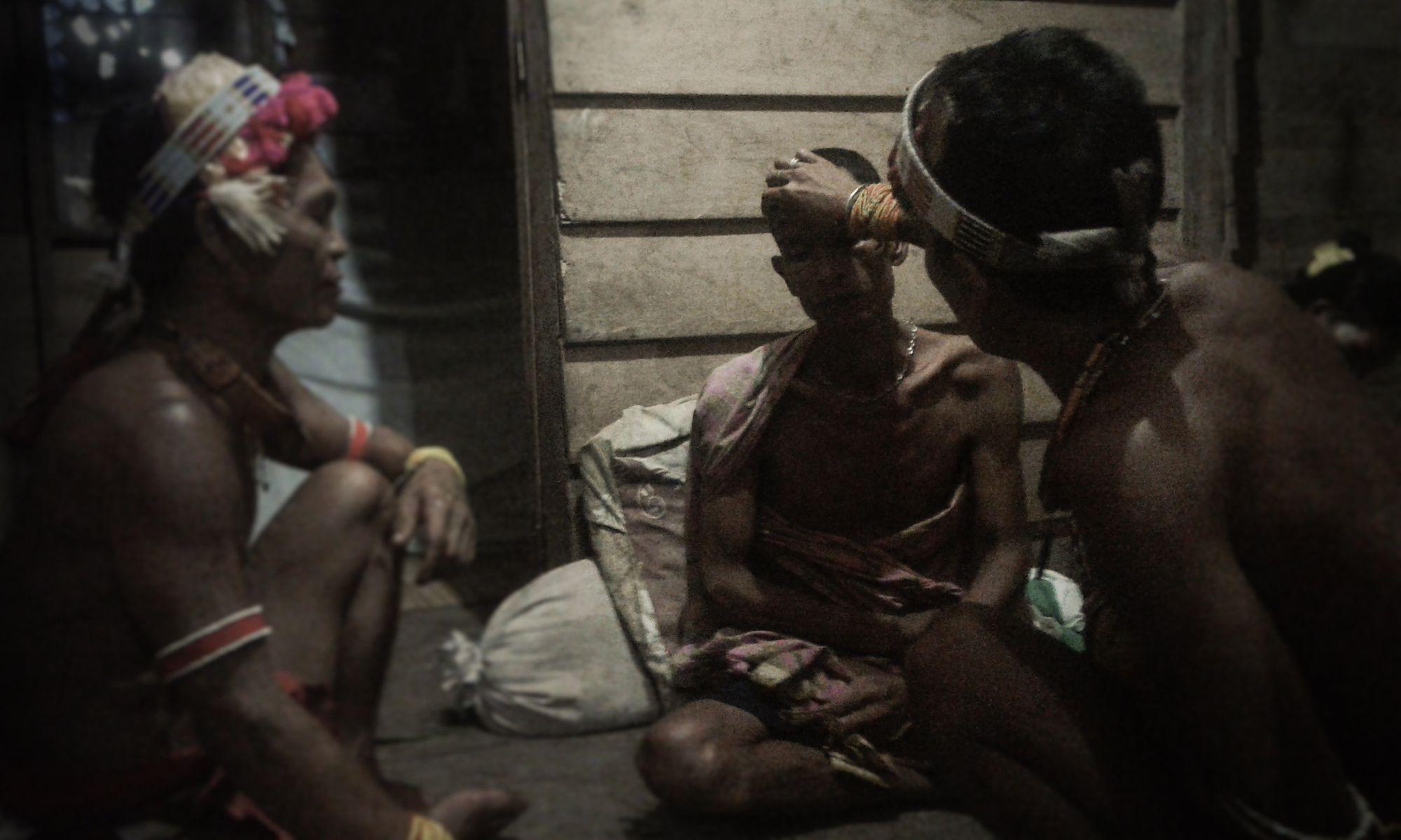 Ritual Penyembuhan dan Tradisi Menyantap Obuk di Siberut