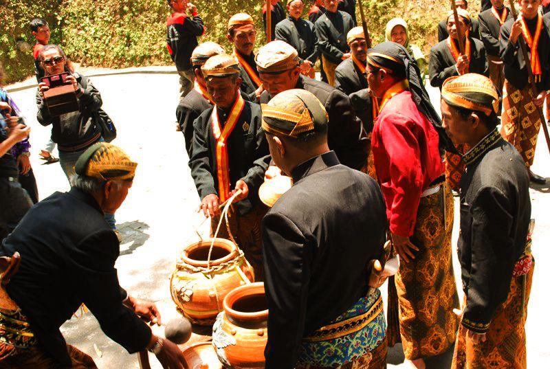 "Ritual ""Temu Tirta"": Potensi Budaya di Desa Samiran Boyolali"