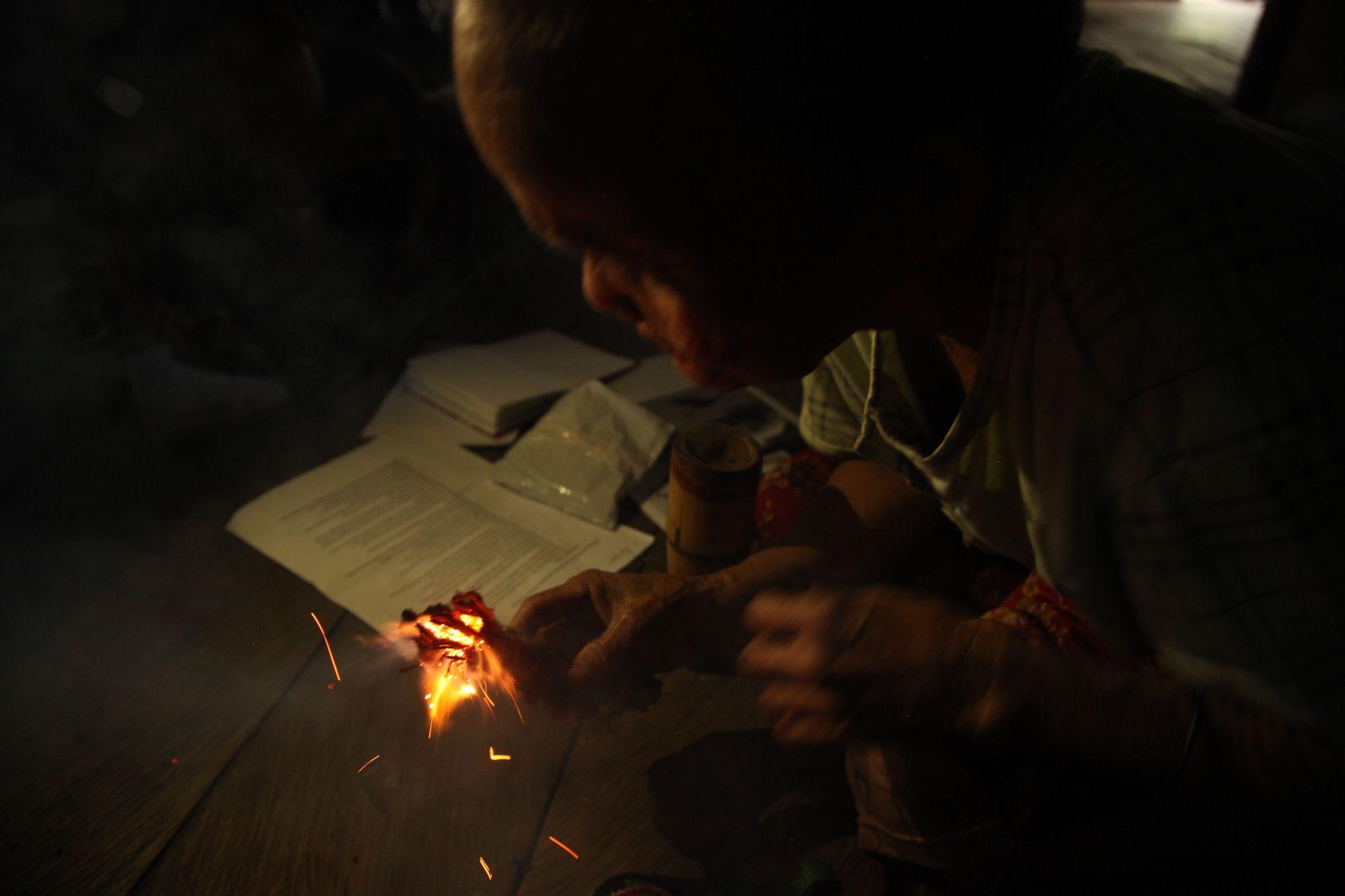 Cara Suku Dayak Punan Semeriot Menjaga Kelestarian Hutan