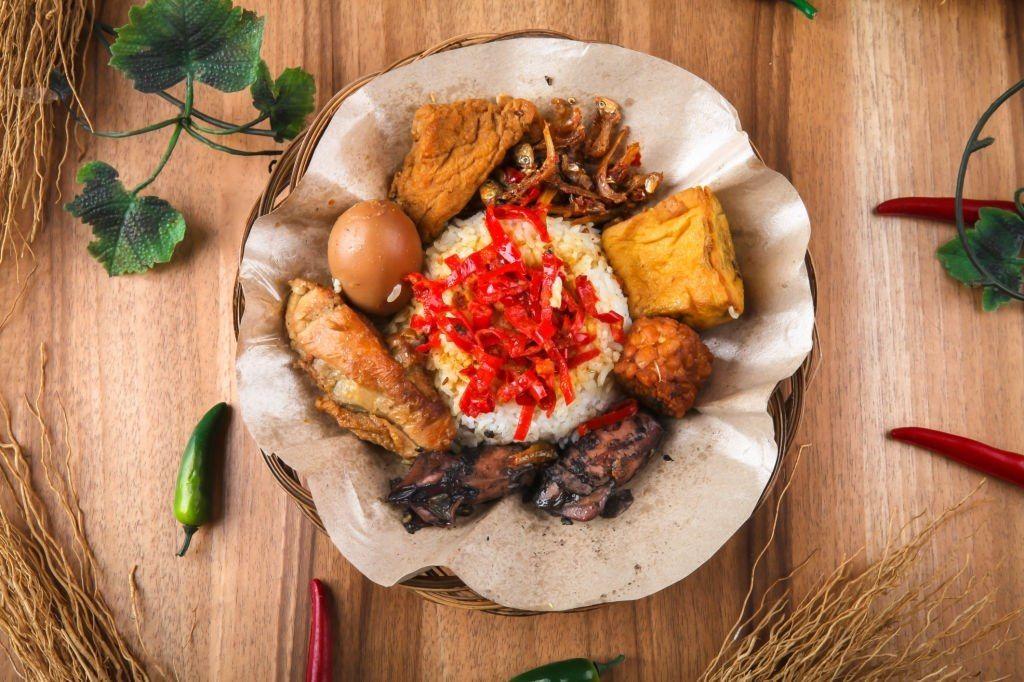 Sega Jamblang: Kuliner Cirebon Sejak Zaman Kolonial