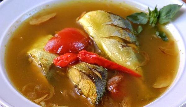 Sudahkah Anda Makan Parede Sambil Keringatan di Makassar?